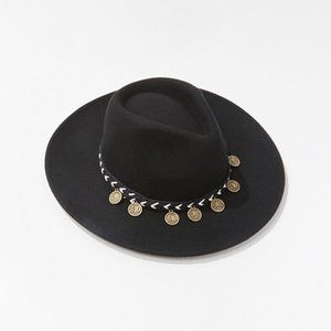 F21 FEDORA W/ ACCENT COIN - NWT